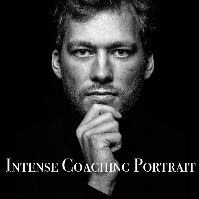 Fotograf in Ingolstadt Männerportrait Intense Coaching Portraitfotografie