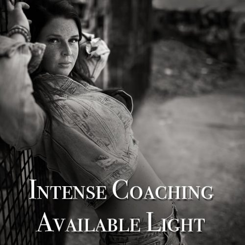 Fotograf in Ingolstadt intense Coaching Available Light Schwarzwei Fotografie Ingolstadt Portraitnoir